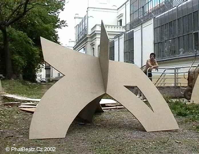 12_point3D_2002