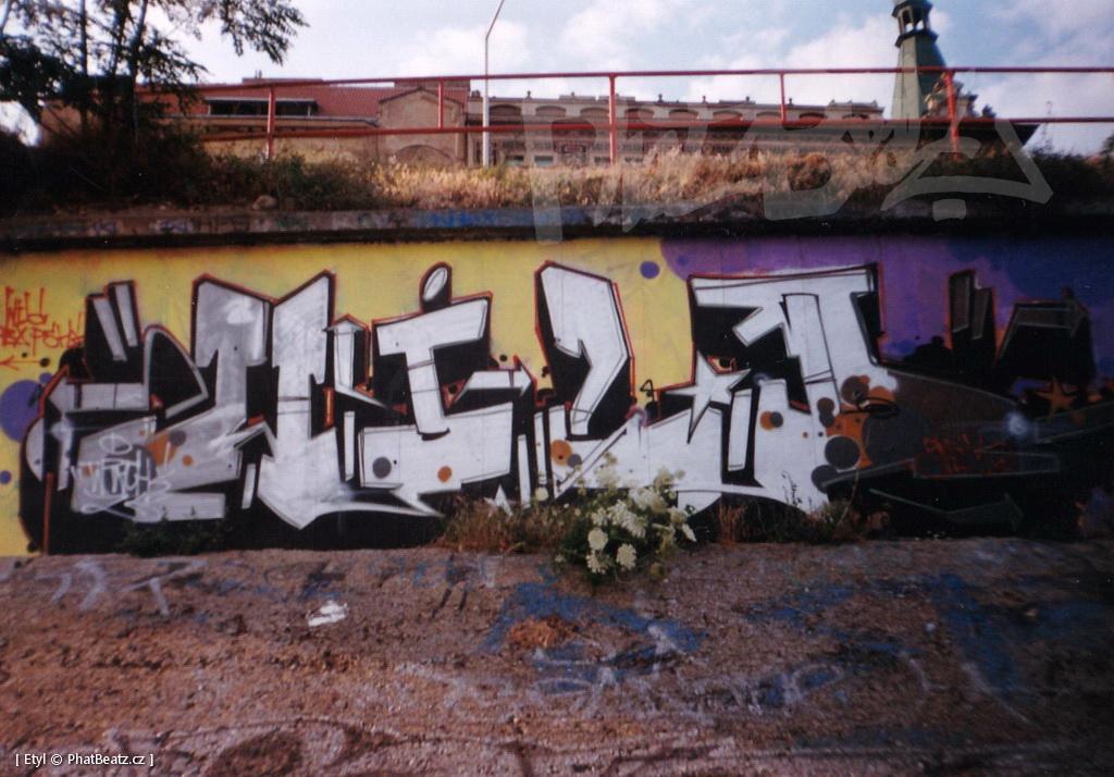1996-2000_Graffiti_Praha_14
