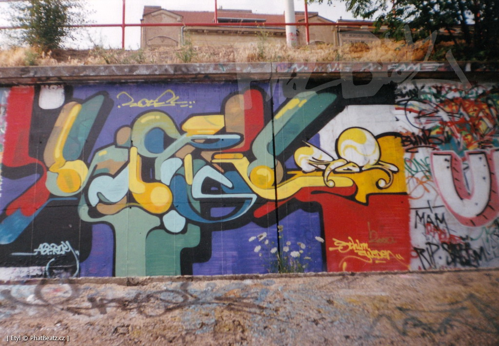 1996-2000_Graffiti_Praha_15
