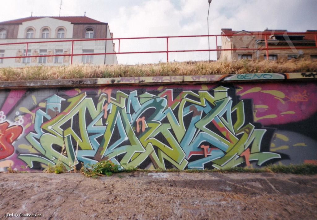 1996-2000_Graffiti_Praha_17