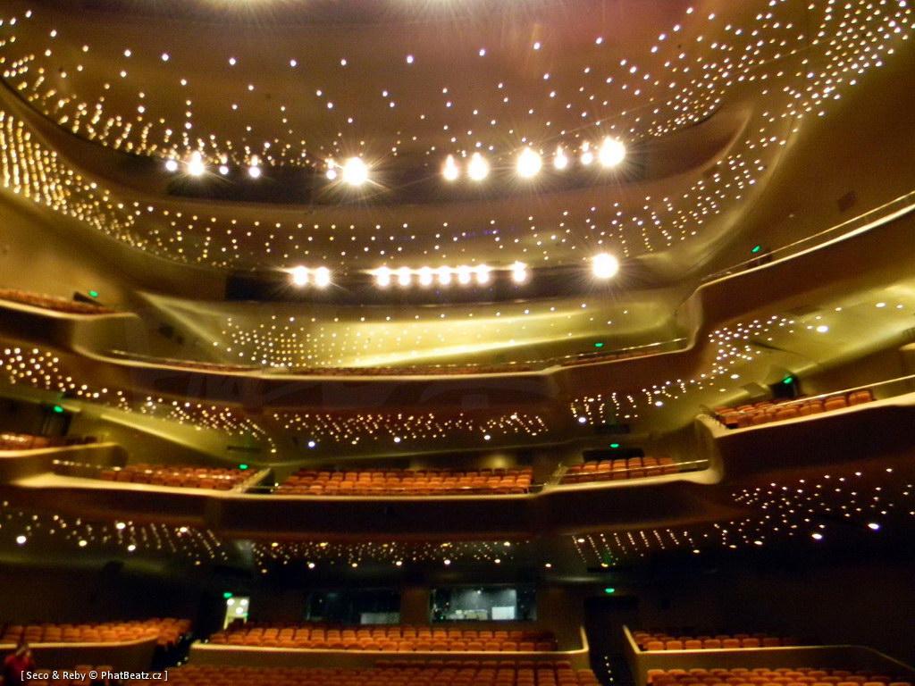 Guangzhou_Opera_09