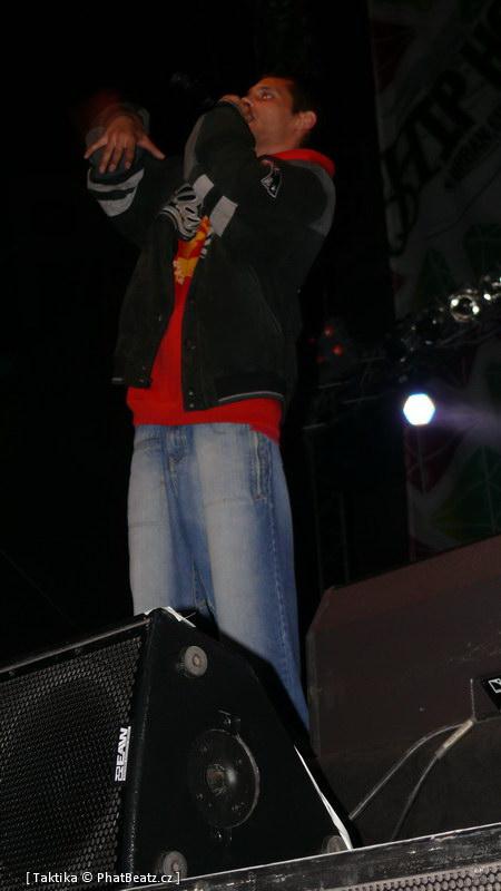 HHJ2011_18