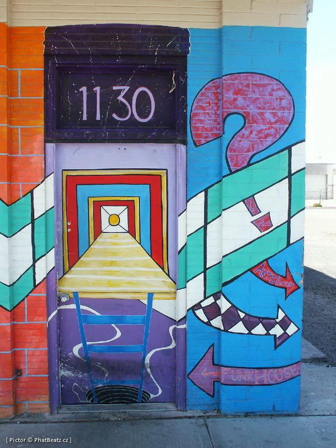 LasVegas-street_28