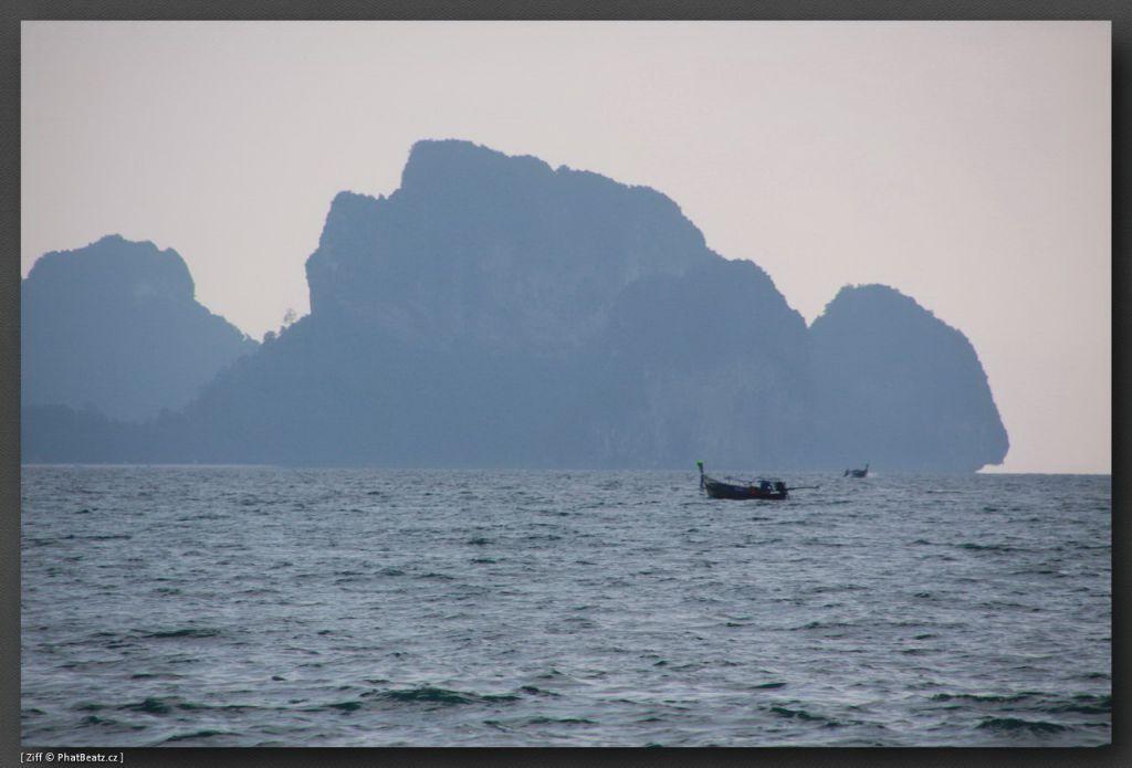 THAILAND2011_012