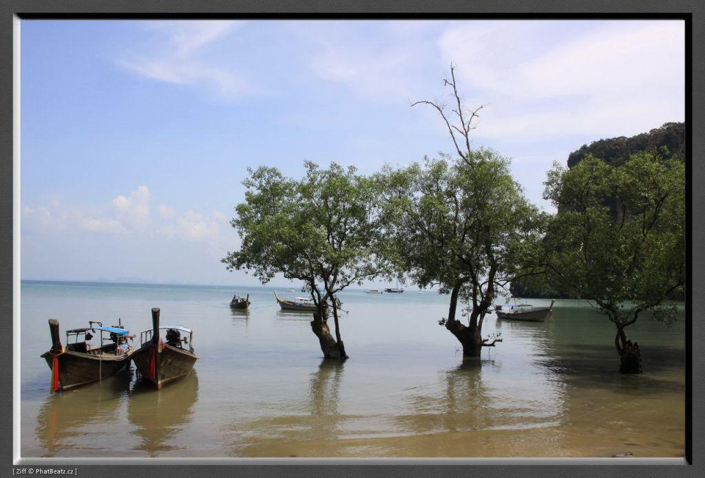 THAILAND2011_051