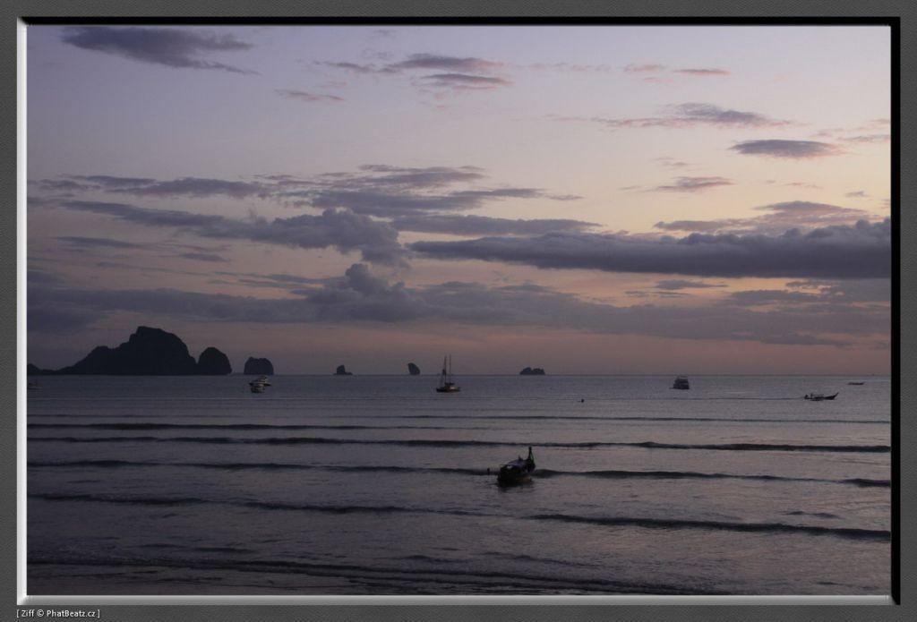 THAILAND2011_203